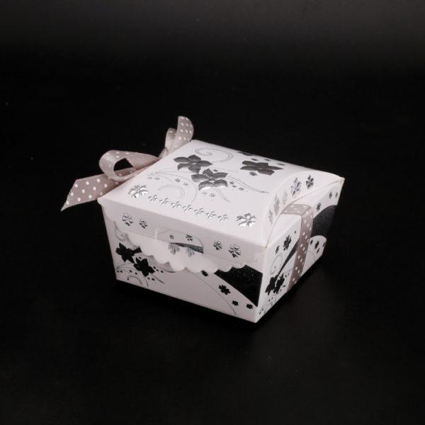 boite à dragées argentées