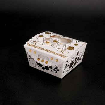 boite à dragées dorée